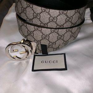 Mens Gucci interlocking GG reversible belt